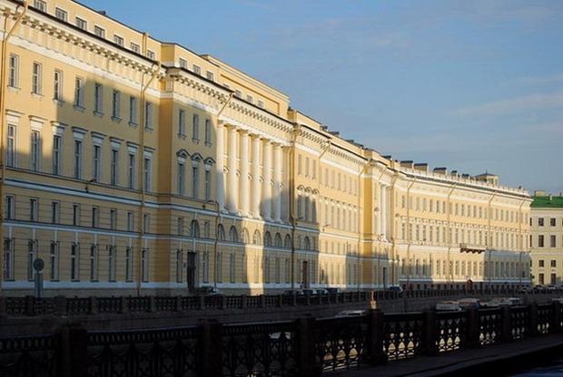 Санкт-Петербург, набережная реки Мойки, 39-47 / Дворцовая пл., 6-8. Фото: citywalls.ru