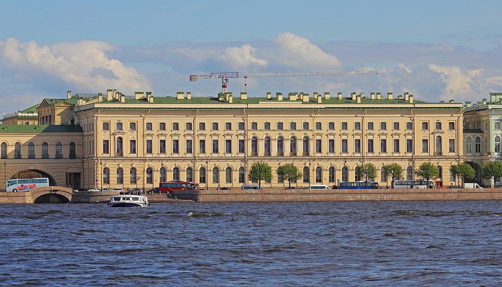 Большой Эрмитаж. Фото: A.Savin (Wikimedia Commons · WikiPhotoSpace)