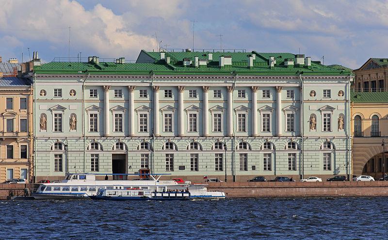 Эрмитажный театр. Фото: A.Savin (Wikimedia Commons · WikiPhotoSpace)