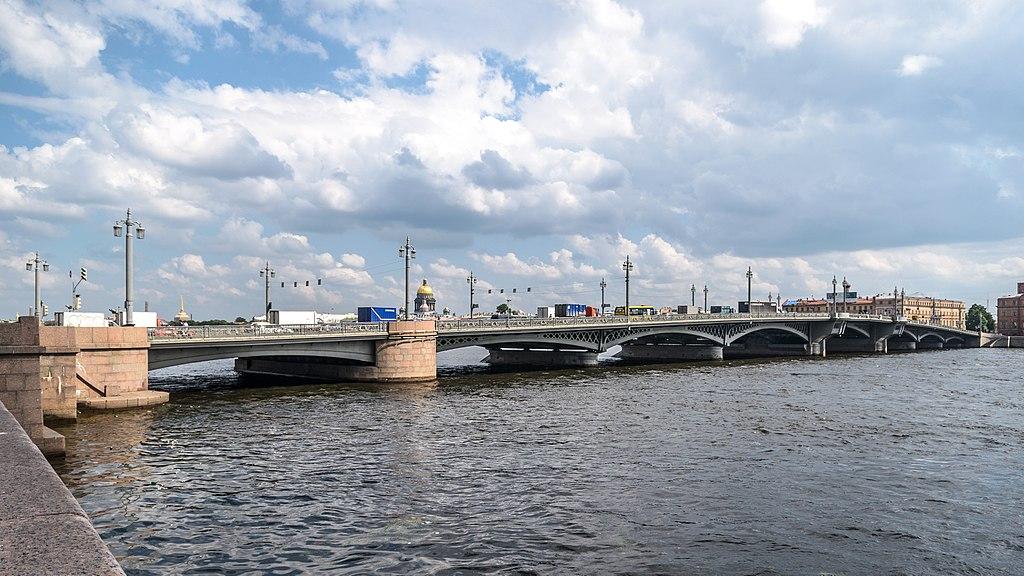 Благовещенский мост. Фото: (Florstein (WikiPhotoSpace)