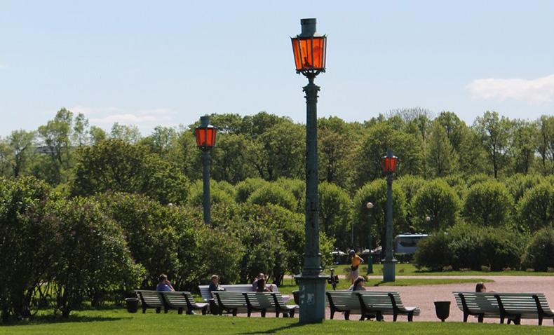 Фонари с Николаевского моста на Марсовом поле. Фото: mostotrest-spb.ru