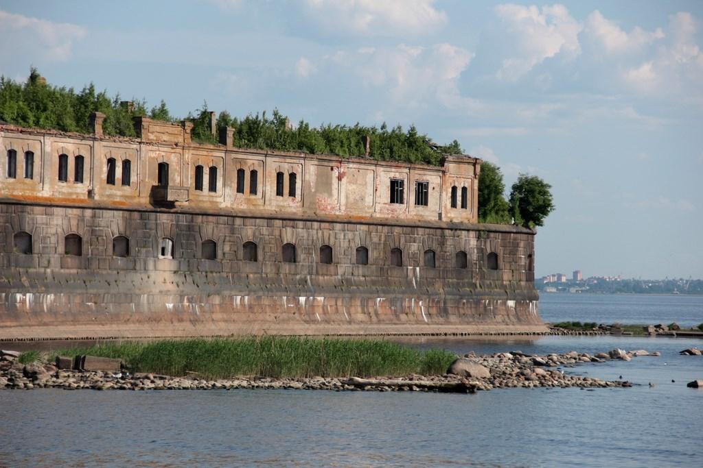"Фото ""Константин"". Фото: wikiway.com/russia/kronshtadt"