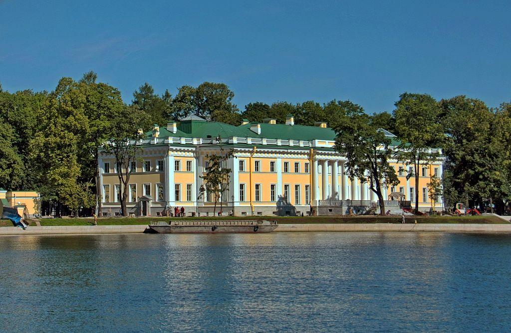 Каменноостровский дворец. Фото: VekaSpb