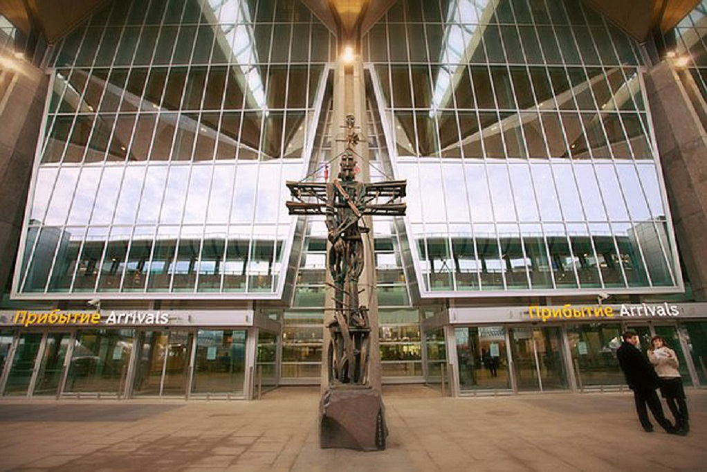 """Статуя """"Авиатор"""" в Пулково. Фото: pulkovoairport.ru"""