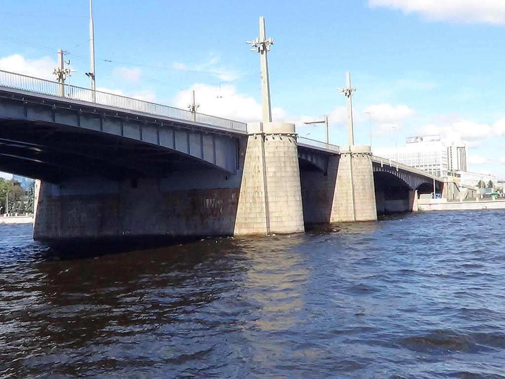 Кантемировский мост.. Фото: Peterburg23 (Wikimedia Commons)
