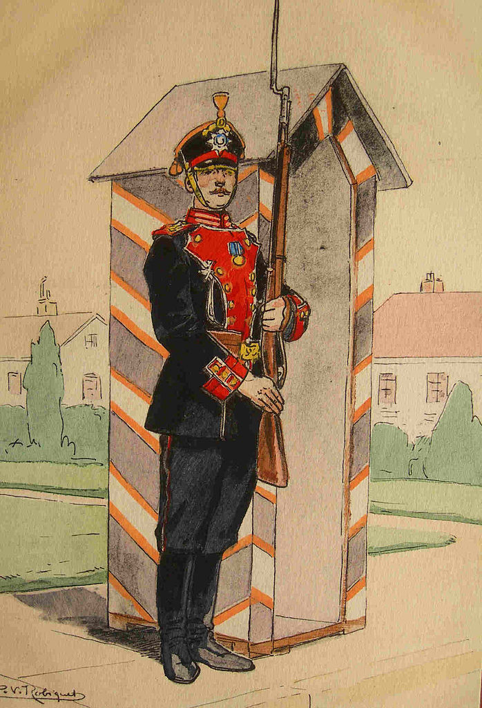 Солдат Преображенского полка в парадной форме, 1914 г. (Wikimedia Commons)