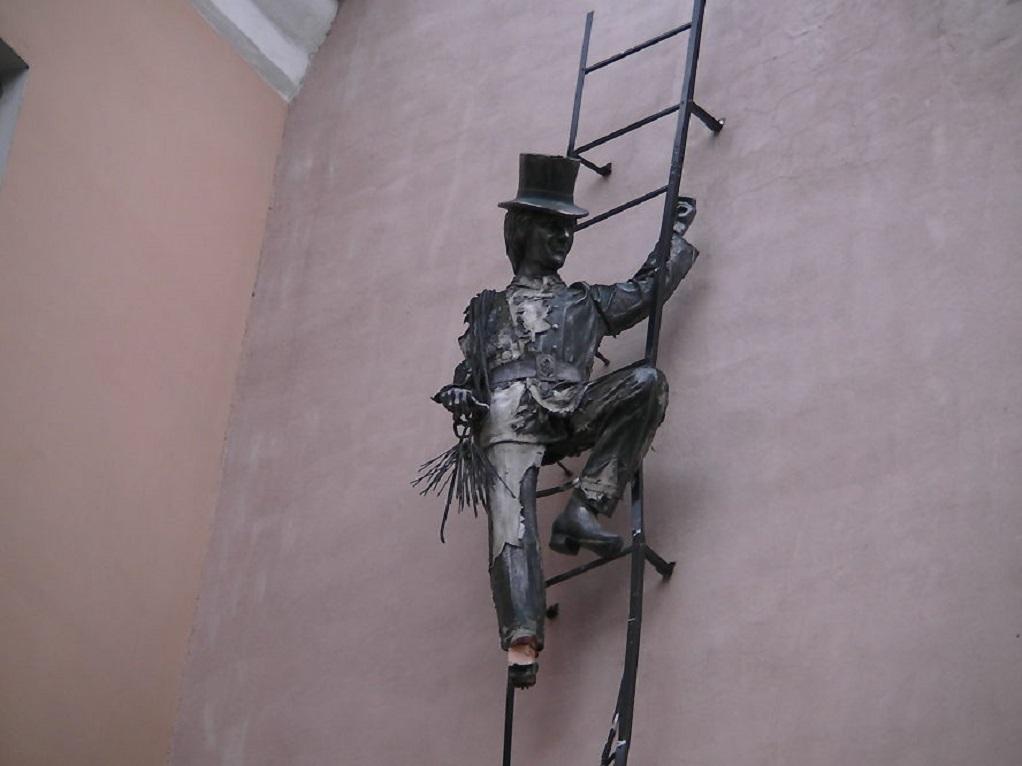 Памятник трубочисту в Петербурге. Фото: unplaces.ru