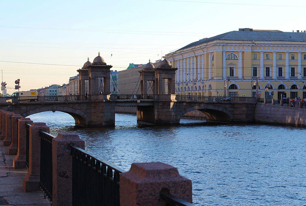 Мост Ломоносова. Фото: Finnandi (Wikimedia Commons)
