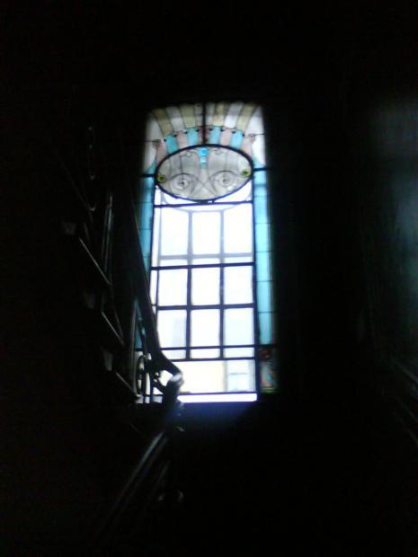 Доходный дом Ерошенко. Витраж 3-го этажа. Фото: citywalls.ru