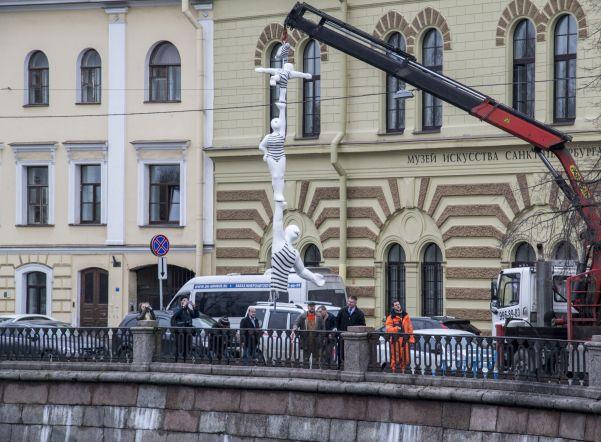 "Скульптура ""ПапаWok"". Фото: 78.rodina.news"