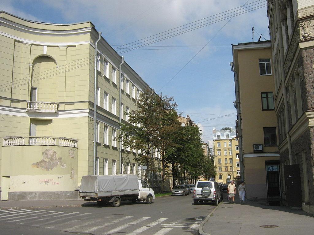 Вид на Дойников переулок с Батайского переулка. Фото: Фото: Peterburg23 (Wikimedia Commons)