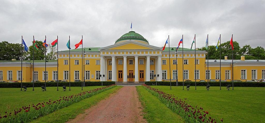 Таврический дворец. Фото: A.Savin (Wikimedia Commons · WikiPhotoSpace)