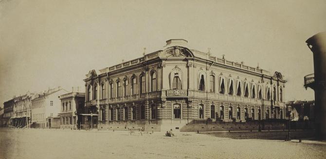 Фото И.К.Бианки 1860-е гг. до надстройки и перестройки левого крыла. citywalls.ru