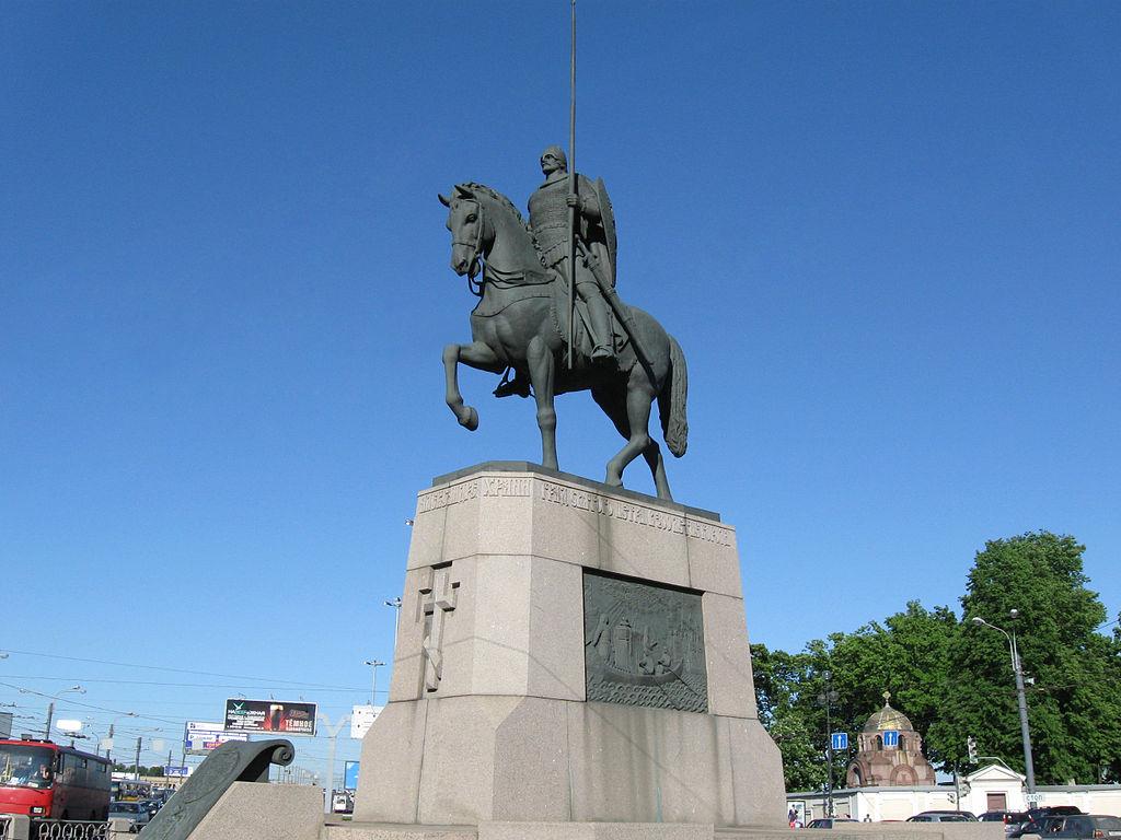 Памятник Александру Невскому. Фото: Андрей Сдобников