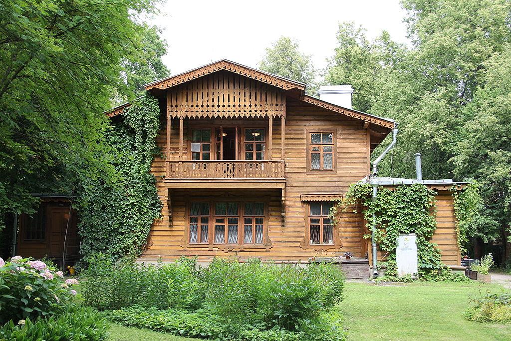 Дом, в котором жил и умер Чистяков П.П., русский художник и   педагог: Фото: Антон Устинов