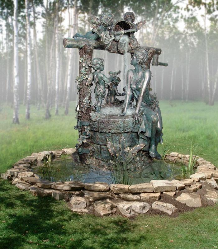 """Фонтан """"Колодец ангелов"""" в Александровском парке. Фото: etnoportal.ru"""