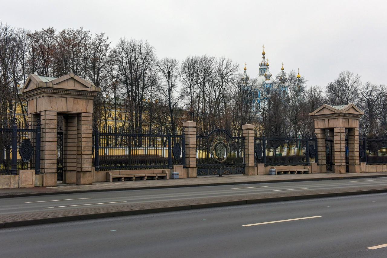 Смольная набережная в Петербурге. Фото: vk.com/mostotrestspb
