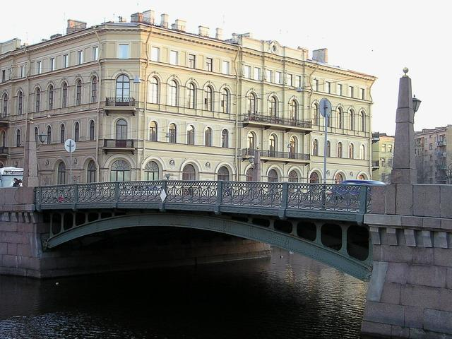 Поцелуев мост в Петербурге. Фото: Sergey Nemanov