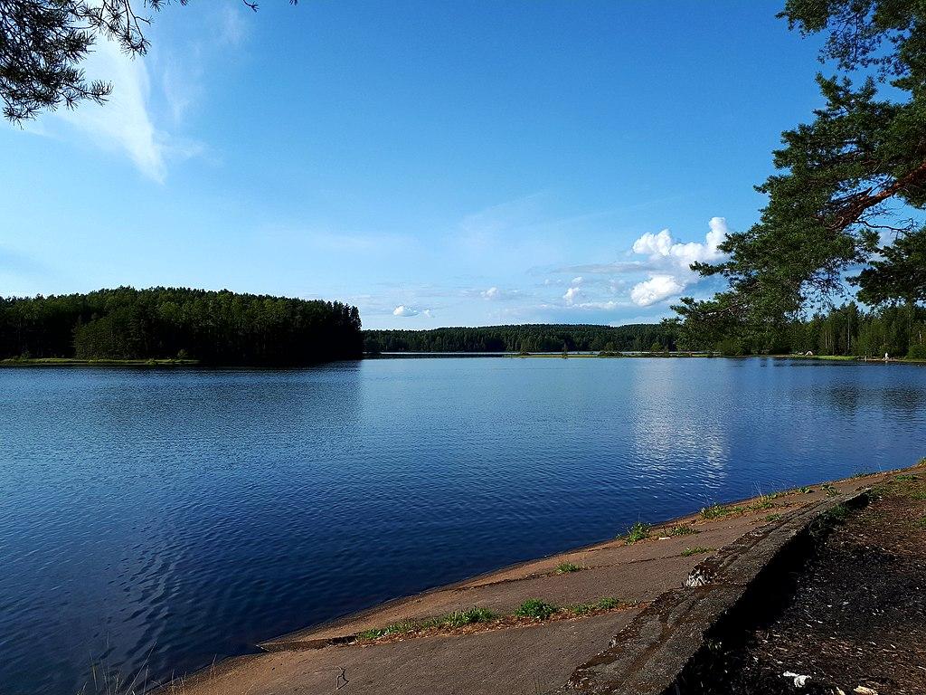 Медное озеро. Фото: GAlexandrova (Wikimedia Commons)