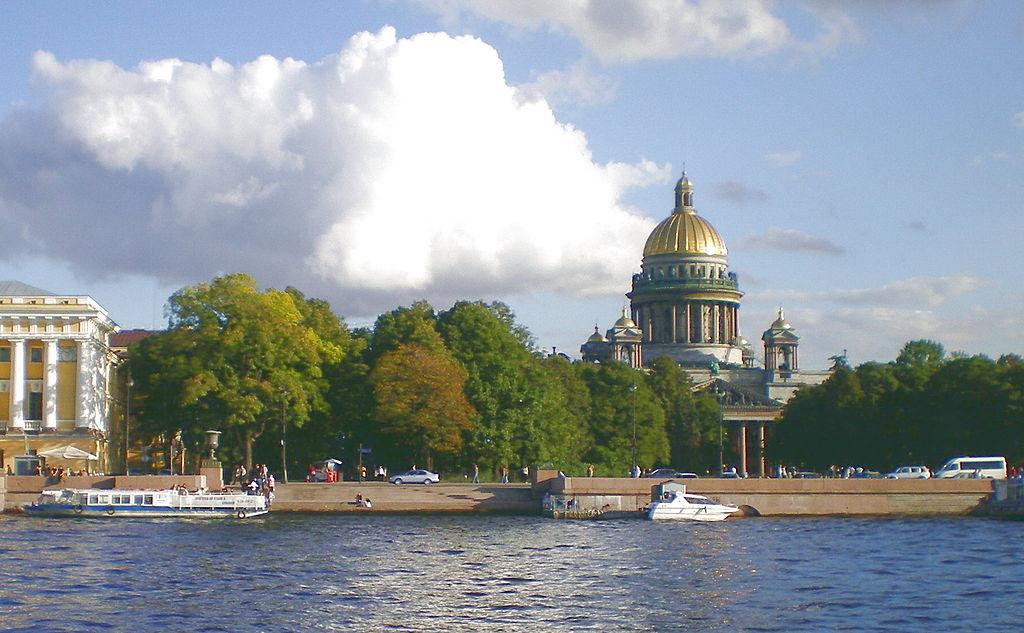 Адмиралтейская набережная. Фото: AndreyA