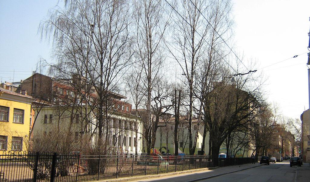 Детские сады на Бармалеевой улице. Фото: Potekhin (Wikimedia Commons)