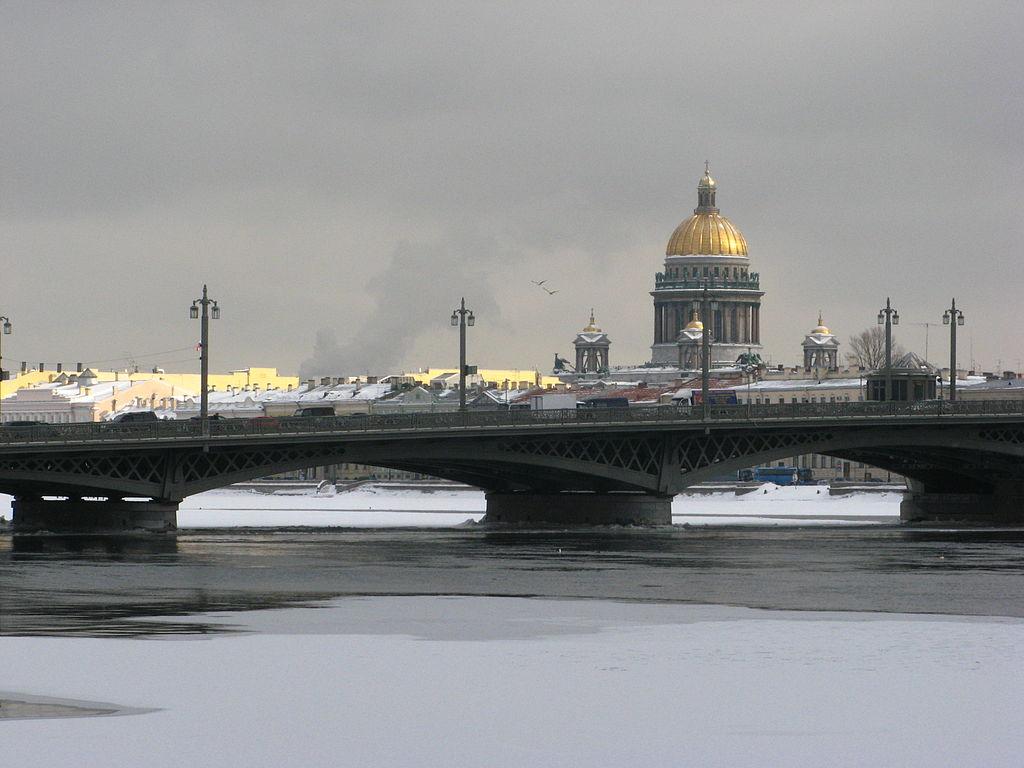 Благовещенский мост. Фото: Andrew Krizhanovsky (Wikimedia Commons)
