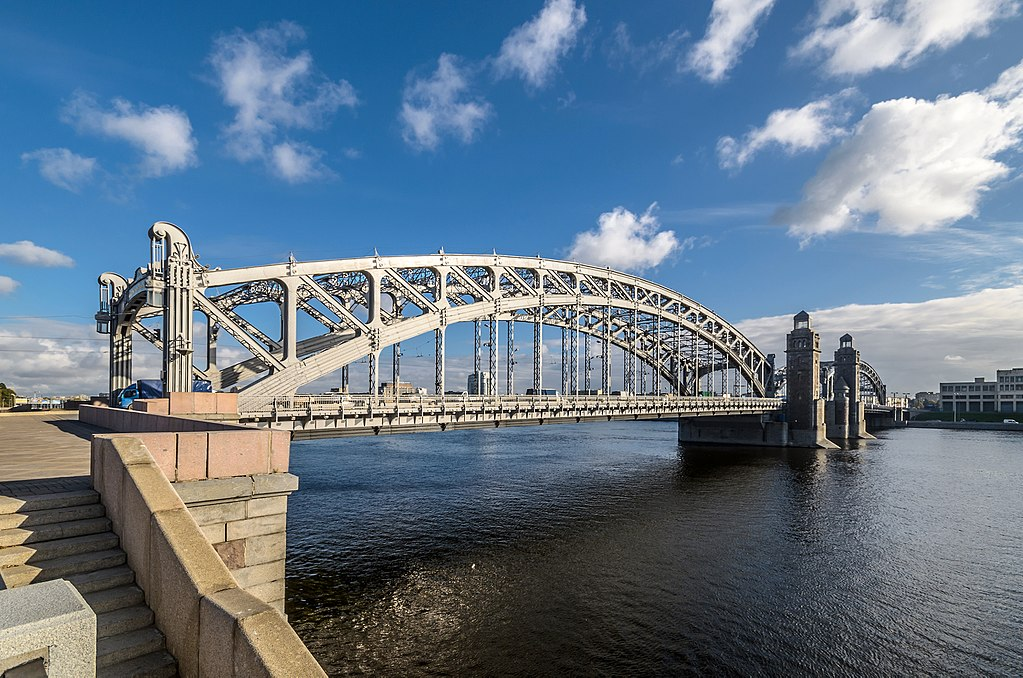 9. Большеохтинский мост. Фото: Florstein (WikiPhotoSpace)