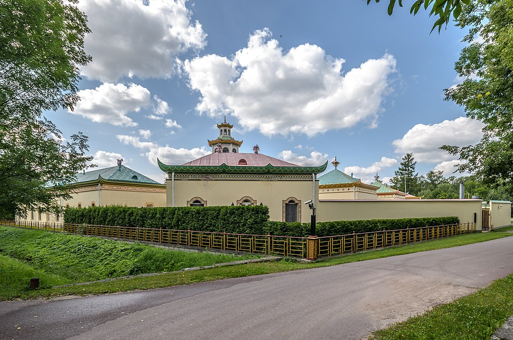 Китайская деревня в Александровском парке Царского Села. Фото:  Florstein (WikiPhotoSpace)