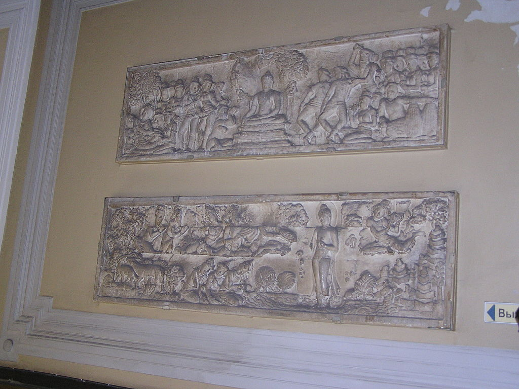 Индийские рельефы. Кунсткамера. Фото: Andrew Butko (Wikimedia Commons)
