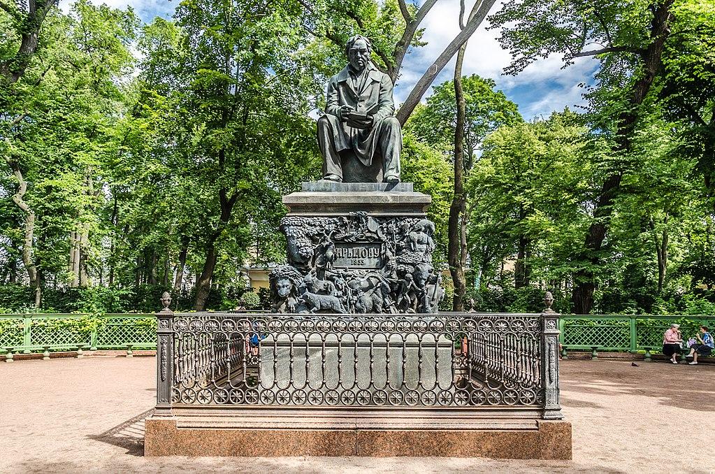 Памятник Крылову в Летнем саду. Фото: Florstein