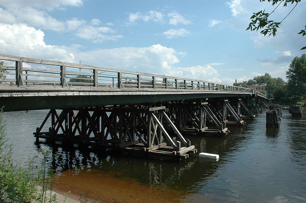 Лазаревский мост до реконструкции I. Фото: Alexei Kouprianov (Wikimedia Commons)