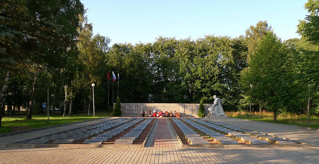Мемориал жертвам Великой отечественной войны в Приморске. Фото: Макс Колчин