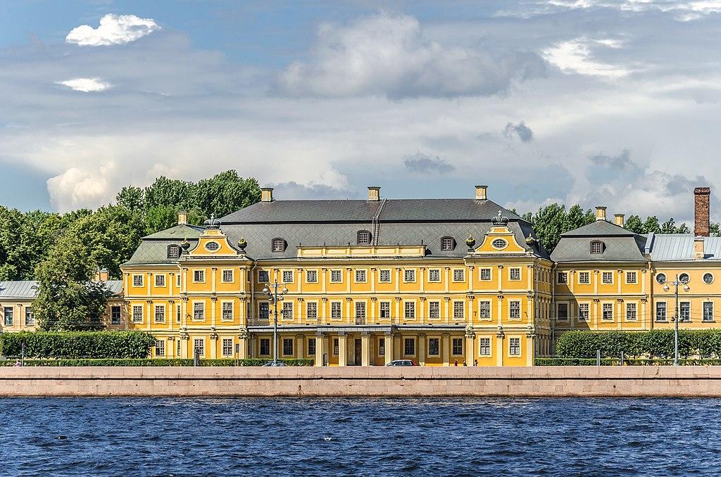 Меншиковский дворец в Санкт-Петербурге. Фото: Florstein (WikiPhotoSpace)