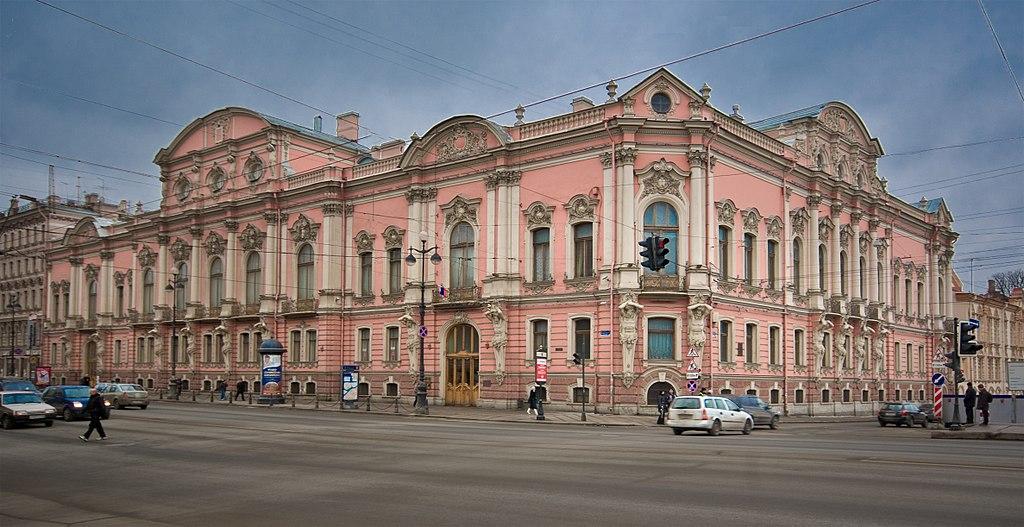 Дворец Белосельских-Белозерских. George Shuklin (Wikimedia Commons)