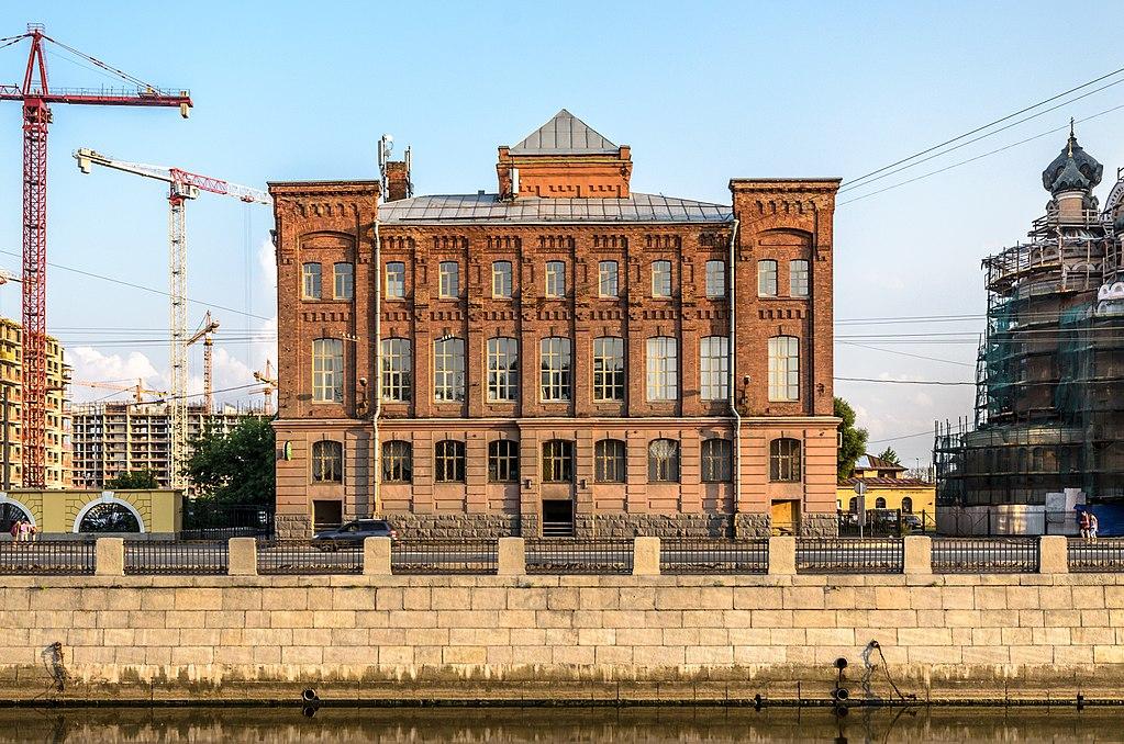 Здание Центрального музея Октябрьской железной дороги на Обводном канале. Фото: Florstein (WikiPhotoSpace)