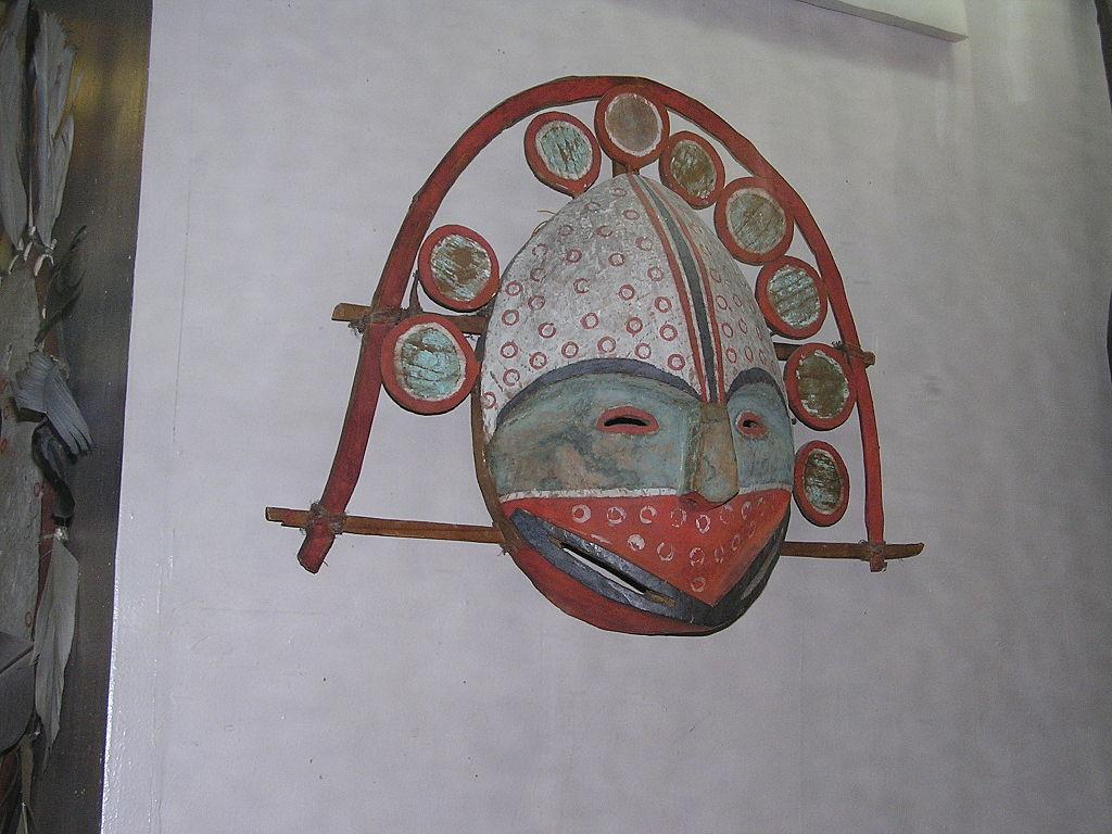 Ритуальная маска. Кунсткамера. Фото: Andrew Butko (Wikimedia Commons)