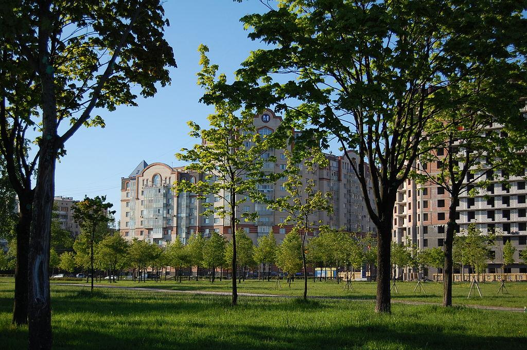 Муринский парк в Санкт-Петербурге. Фото: Ingvar-fed (Wikimedia Commons)