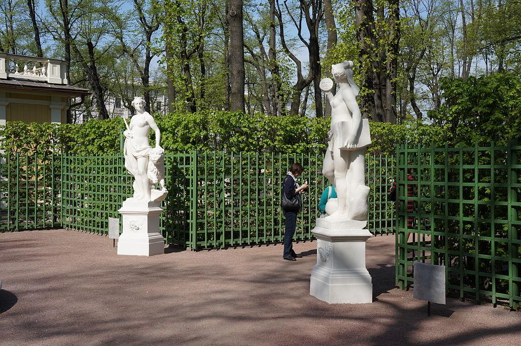 Скульптура Летнего сада. Статуи и бюсты. Фото: Евгений Со (Wikimedia Commons)