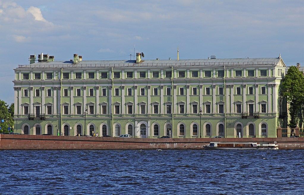 Дворцовая набережная. Дом № 6. Фото: A.Savin (Wikimedia Commons · WikiPhotoSpace)