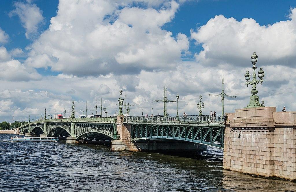 Троицкий мост. Фото: Florstein (WikiPhotoSpace)