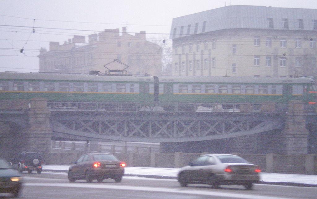 Царскосельский железнодорожный мост в Санкт-Петербурге. Центральный пролёт. Фото: Андрей! (Wikimedia Commons)