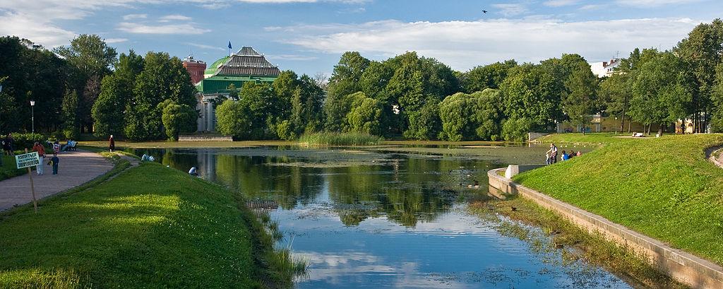 Вид на Таврический дворец. Фото: George Shuklin (Wikimedia Commons)