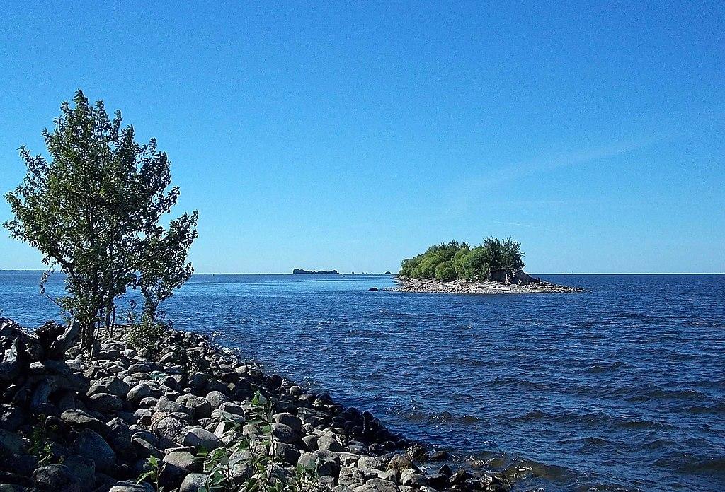 Вид с юго-западной окраины острова. Фото: Uz1awa (Wikimedia Commons)