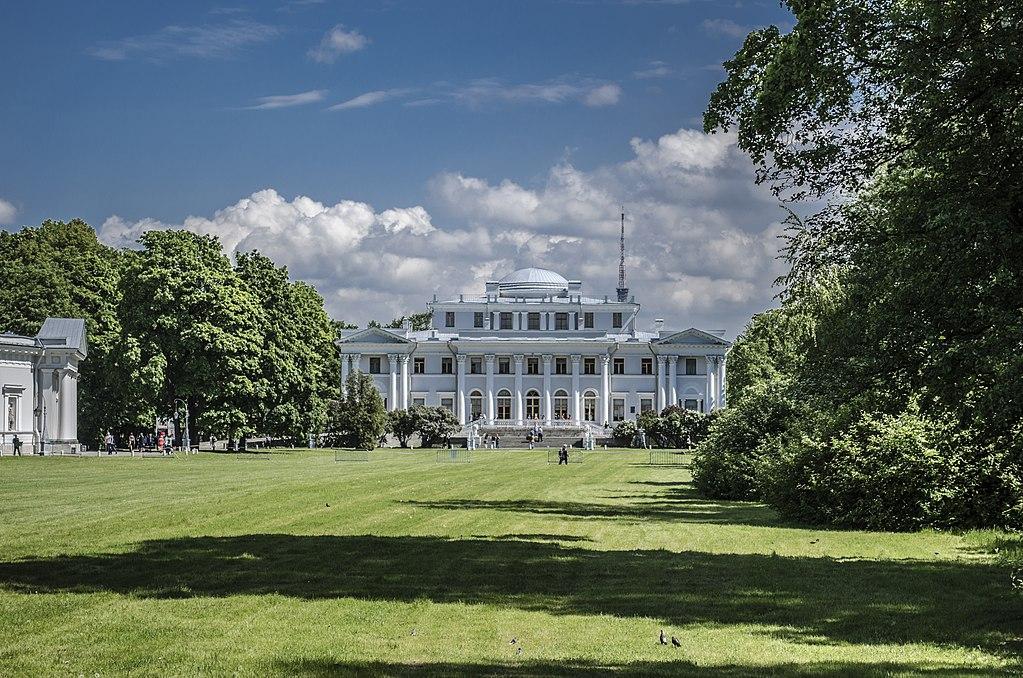 Елагин дворец. Фото: Florstein