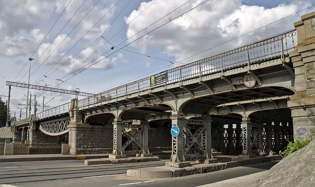 Царскосельский железнодорожный мост через Обводный канал, Витебский ход, Санкт-Петербург. Фото: Neu-Zwei (Wikimedia Commons)