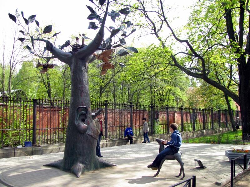 """Памятник """"Дерево желаний"""" в Кронштадте, Кронштадт. Фото: ptmap.ru"""