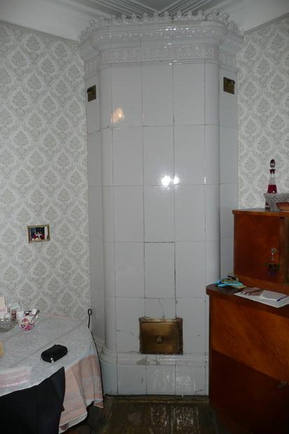 Белая печь в квартире Дома мещанского общества, наб реки Фонтанки, 86