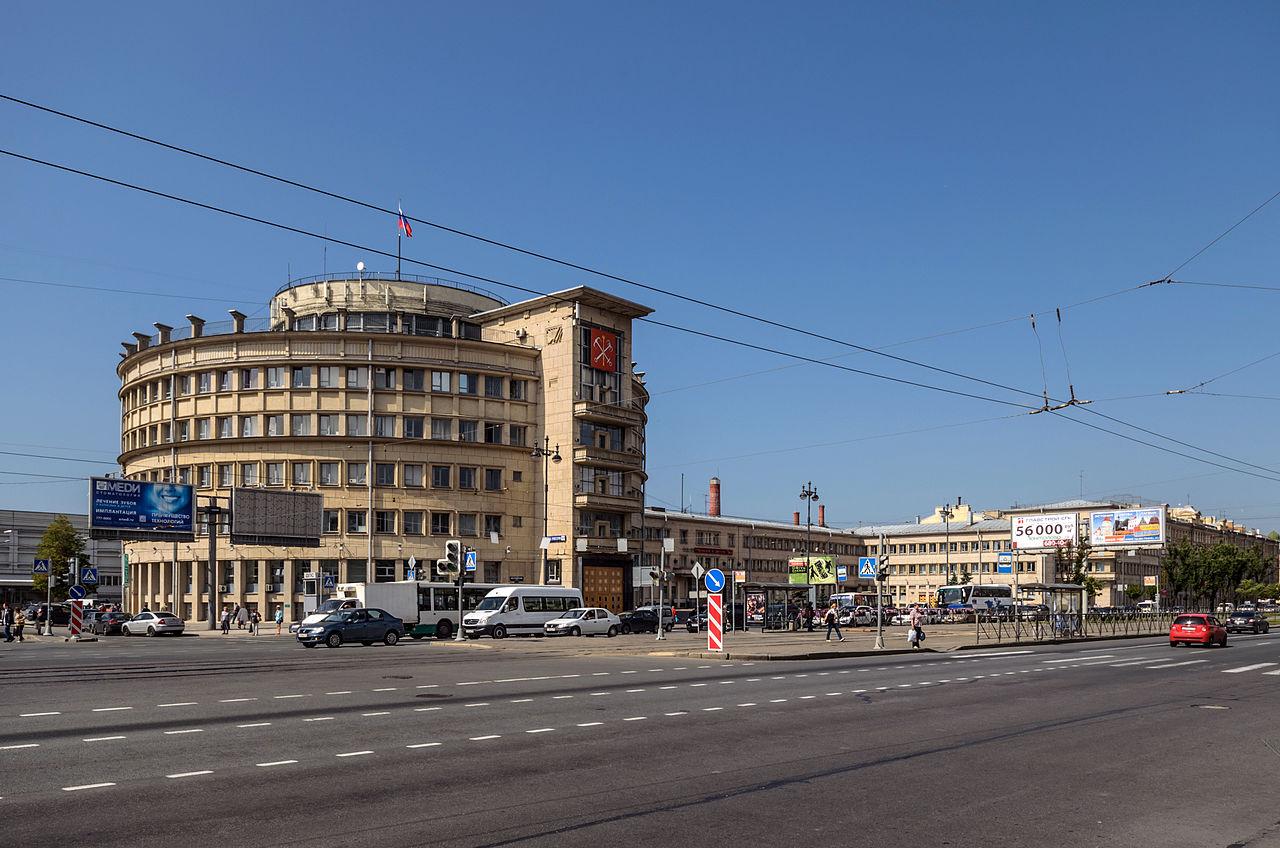 Московский райсовет в Санкт-Петербурге. Автор фото: Florstein (WikiPhotoSpace)