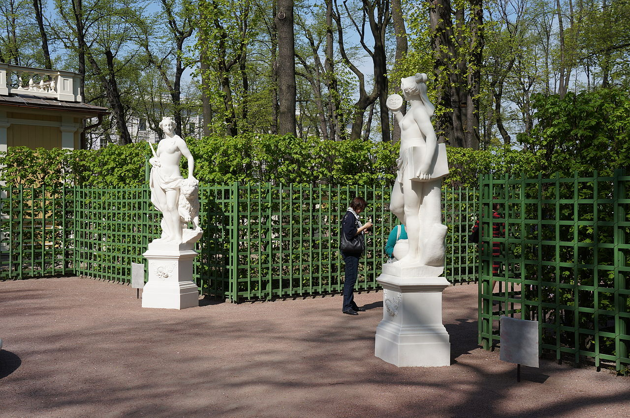 Скульптура Летнего сада. Статуи и бюсты. Автор фото: Евгений Со (Wikimedia Commons)