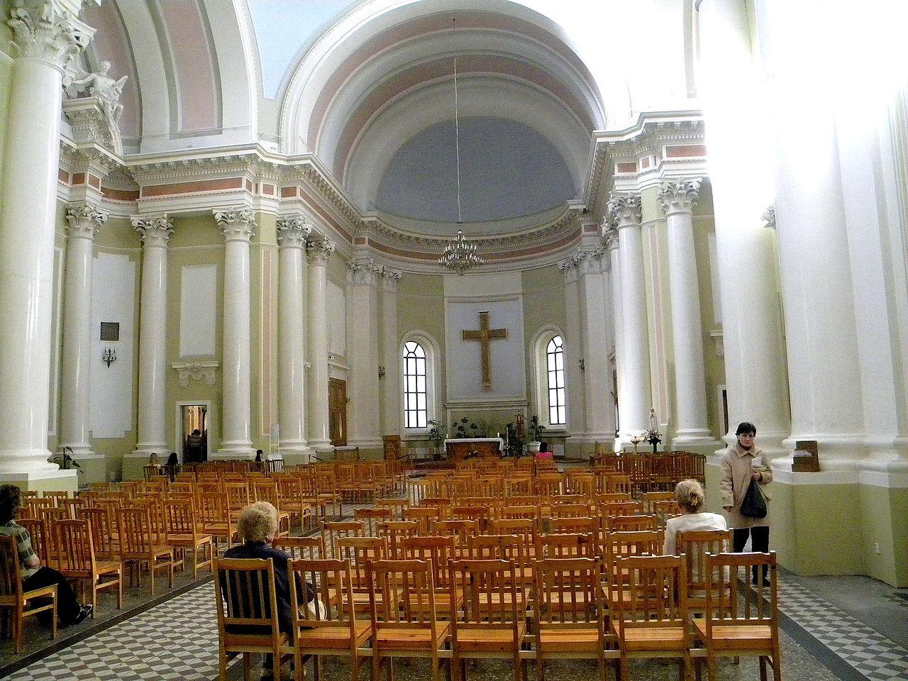 Интерьер церкви. Автор: Foma, Wikimedia Commons